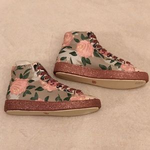🆕 COACH high top floral sneakers